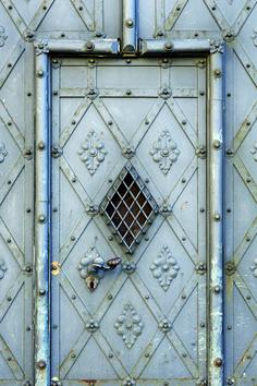 press metal, artist door, unusu door, pressed metal, metal door
