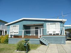 Classic Aussie beach house colours