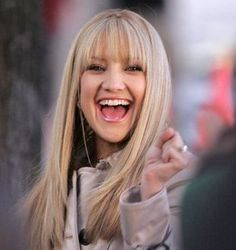 Kate Hudson with bangs- I think you would suit bangs!