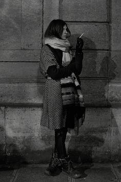 fashion, snow boots, street style, parisian style, black white, inspir, winter layers, coat, paris style