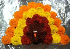 Thanksgiving turkey pull apart cupcake cake.