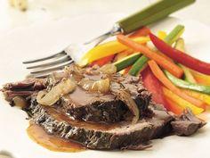 ROSEMARY-GARLIC BEEF ROAST *Crock Pot / Slow Cooker. http://www.bettycrocker.com/recipes/slow-cooker-rosemary-garlic-beef-roast/357a2a2e-b6cc-45f1-9d56-ad94be5f2352
