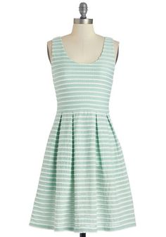 Sweetly Scalloped Dress in Mint