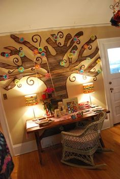 Awesome wall art for little girls room. Love the swing hanging from the tree