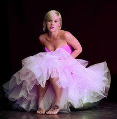 Singer Pink wearing pink