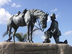 Memorial to the horses that served in the Second Boer War.