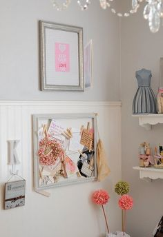 love. must do this myself with old picture frame