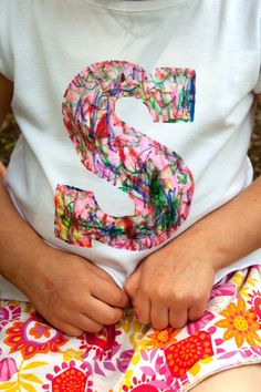 Scribble Initial T-Shirt (Tutorial)      This was such a fun and easy project! It made me think I need to spend a lot more doing creative things with my girls, not just for them.  The really great thing about this particular project too was that my girls' un