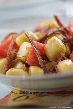 Gnocchi de Mandioquinha com carne seca