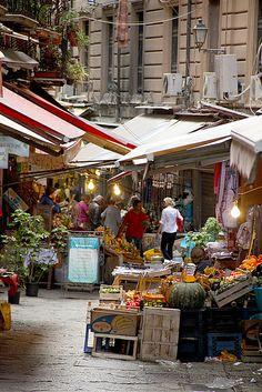 vucciria market, farmers market italy, luxury travel, sicili, outdoor market