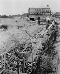 The San Fernando Power House in Sylmar, under construction in 1917. It was owned by the Los Angeles Bureau of Power and Light. San Fernando Valley History Digital Library.