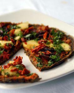 Raw sundried tomato & marinara pizza