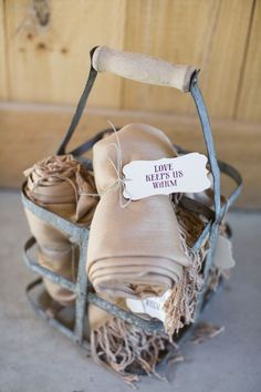 shawls for wedding guests as favors