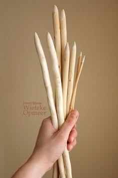 Handmade wooden knitting needles from pruning wood by Wieteke Opmeer