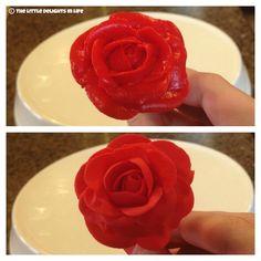 The Little Delights in Life: Tutorial Tuesday: Buttercream roses vs. Fondant roses