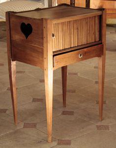 Table De Chevet En Noyer - Proantic.com