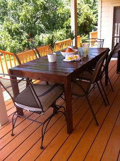 $60 DIY patio or deck table to seat 6