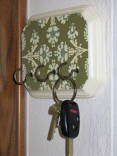 mom gifts, hook, gift ideas, diy tutorial, holder tutori, wood blocks, front doors, key holders, carved wood