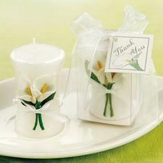 Calla Lily Candle Wedding Favor | #exclusivelyweddings | #yellowwedding