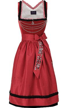 The quartet of simple, elegant chains across the bodice of this Sissy von Samtherz dirndl is so eye-catchingly pretty. #red #dirndl #dress #German #folk #costume