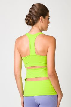 The Tonic Vega Yoga Tank is a thing of beauty! Flattering, functional, and super cute how can you resist? This top comes in a stunning lime color that is perfect for Spring!! Check out the entire line up of adorable yoga clothes from Tonic at http://evolvefitwear.com