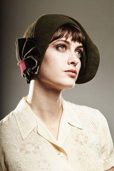 Accordion cloche.  I love this hat