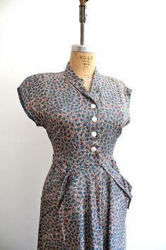 love the print on this dress! /// 1940s dress : Flower Print dress