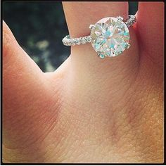 Jamie Lynn Spears got herself a gorgeous ring.