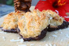Liv Life: Chocolate Dipped Coconut Macaroons