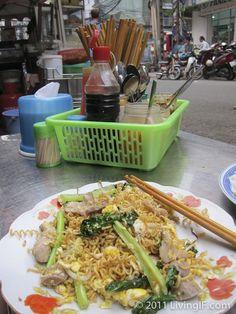 vietnamese street noodles.