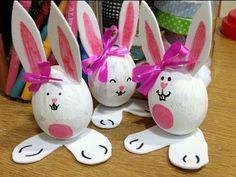 Huevos de Pascua de conejitos. Easter Bunny eggs. Con huevos duros y goma eva