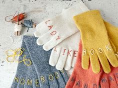 Embroidered Gloves / 33 DIY Gifts You Can Make In Less Than An Hour (via BuzzFeed)