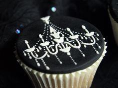 night circus cupcakes