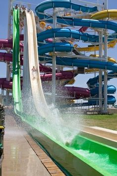 White Water Bay in Oklahoma City offers water rides, slides, thrills and chills.