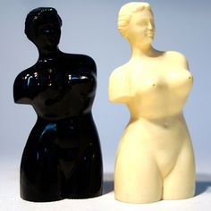 Deluxabath Venus salt and pepper shakers