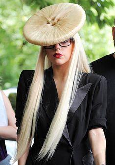Lady Gaga button hair