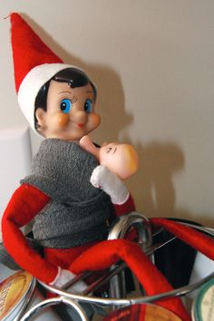 babywearing_elf_on_the_shelf   Laura this is for you!!!