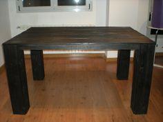 Mesa de madera reciclada