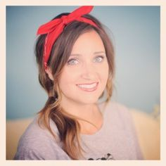 Bandana Side Ponytail plus 5 other ways to tie a bandana! #CuteGirlsHairstyles #CGHBandanaStyle
