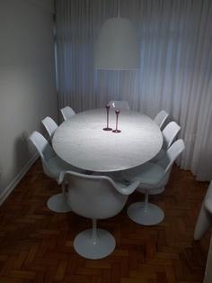 Sala de Jantar – Cadeiras e Mesa Saarinen