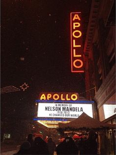 You MUST, MUST, MUST see a show at the famous #ApolloTheater! BEST SHOW OF OUR LIFE! #Harlem #NYC #Manhattan #blackhistory #lilbowwow #apollo