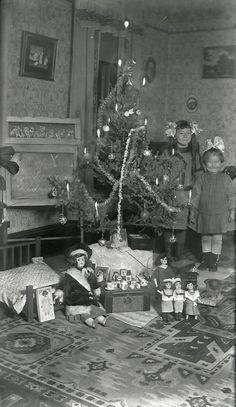 Christmas smiles 1912.