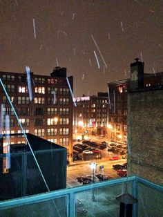 It's beginning to snow in downtown STL!! 1/1/2014 - St. Louis, MO  :-)