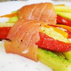 Hatillos de verduras al vapor con salmón ahumado | Recetas de verdura | Recetas Lékué