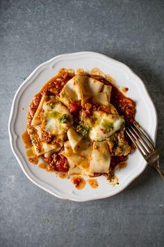 A Hearty Vegetarian Pasta Sauce | Flourishing Foodie #vegetarian