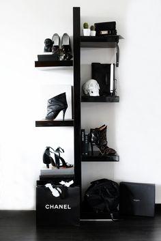 B&W   fashion accessories rack