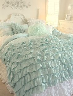 SHABBY COTTAGE CHIC LAYERS OF DREAMY AQUA TEAL RUFFLES COMFORTER SET!  I want this for my bed! Love the color