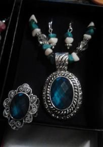 Three Piece Bold Faceted Turquoise Medallion Gift Set - AVON - Necklace, Earrings, & Ring - FREE Shi
