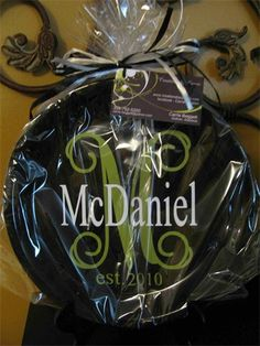 Cricut craft - great gift monogrammed plate