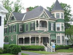 Victorian in Saco, Maine-green